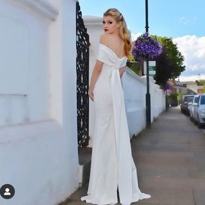 Long White Off the shoulder gown. Small